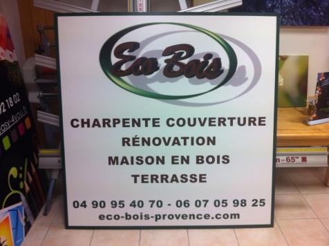 Panneau publicitaire pour Eco Bois à Saint-Rémy de Provence