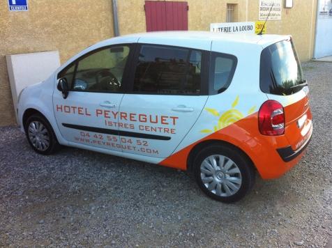 Habillage de véhicule pour l'Hôtel Peyreguet à Istres