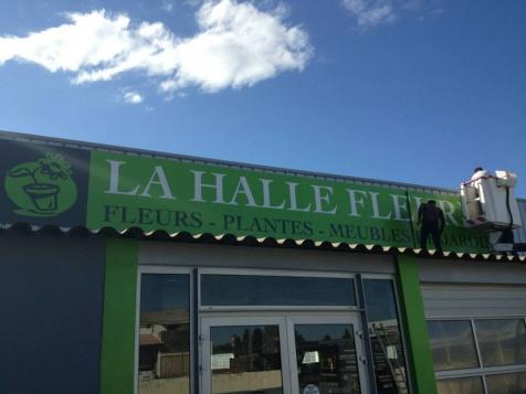 Habillage de façade pour la Halle Fleurie à Saint-Rémy de Provence